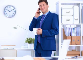 Руководитель мужчина сможет насладиться утонченным чайным вкусом в любое время дня